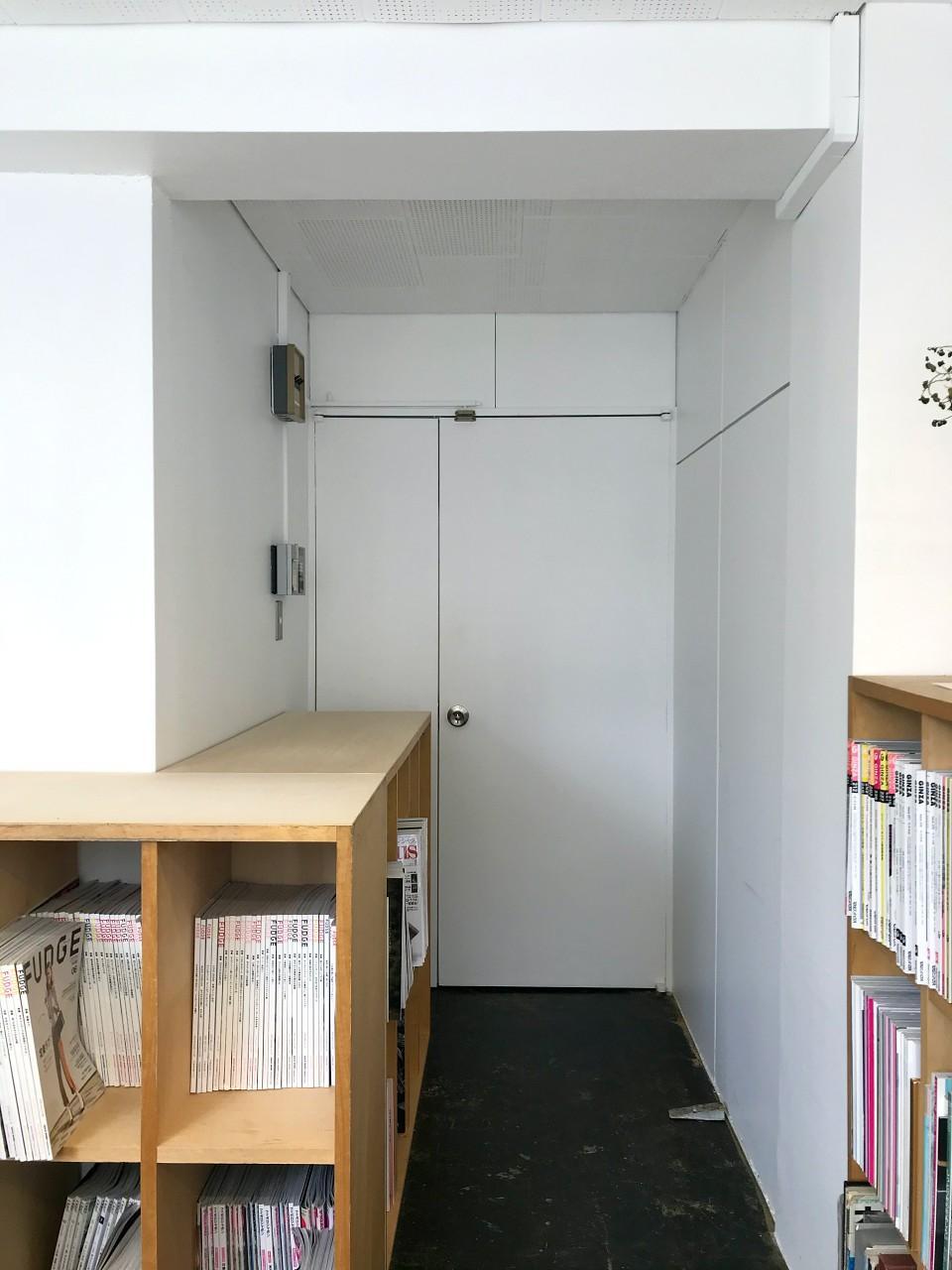 複数区画を1区画にしたので扉が2つ