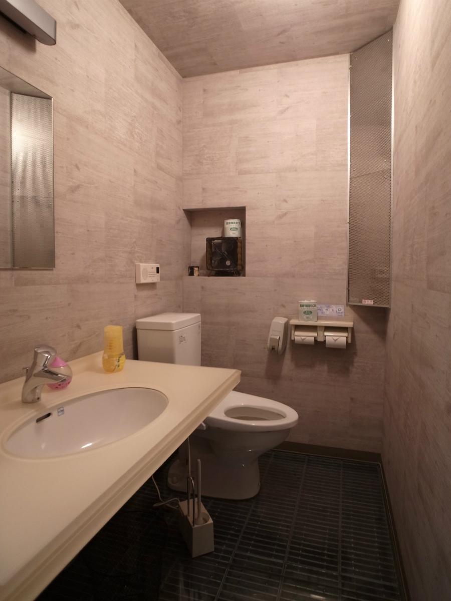 1階女性トイレは綺麗になってます