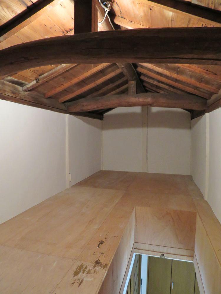 巨大な屋根裏収納スペース!