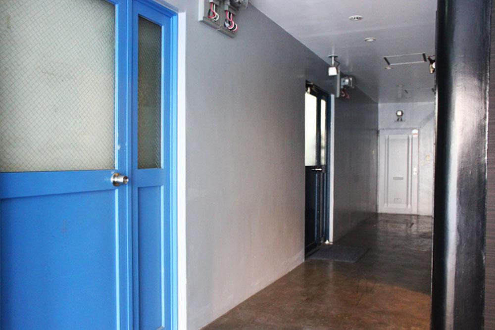 1階の共用廊下