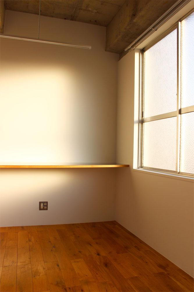 南西向きの部屋は、夕方ともなればいい雰囲気です
