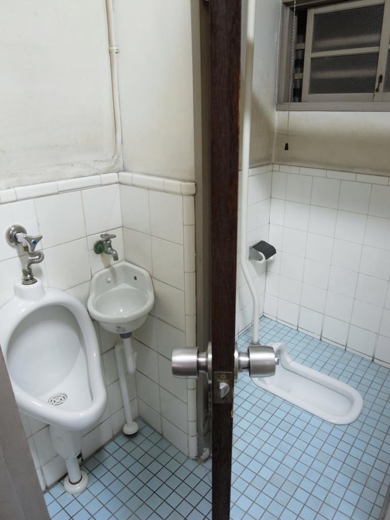 共用トイレ(男女共用)