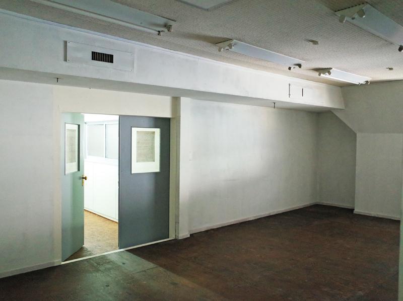 Room1は2階共用部からの出入りもできます。
