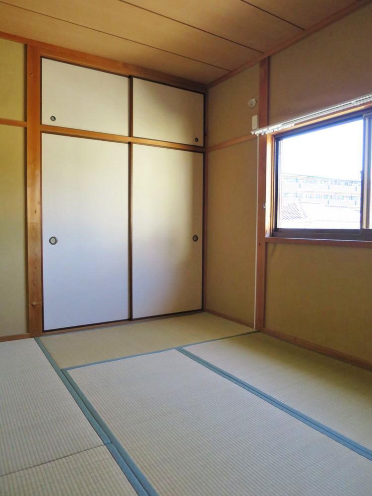 2階の和室(6畳)