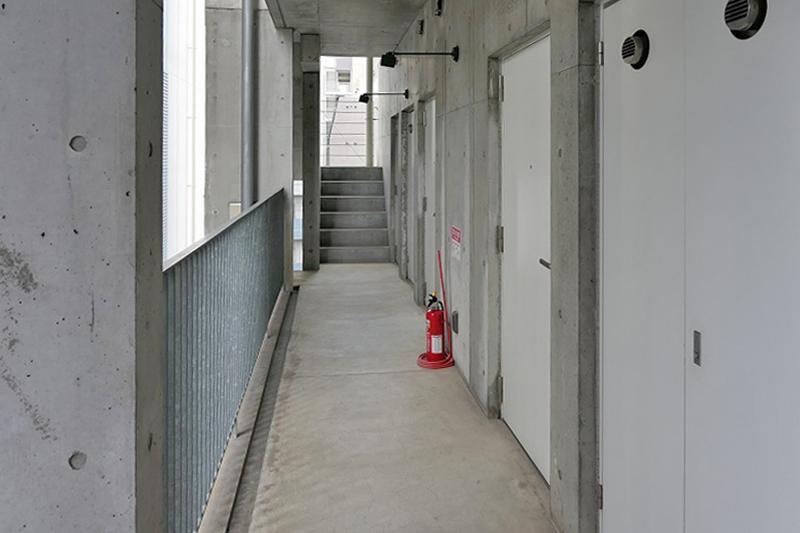 共用廊下。