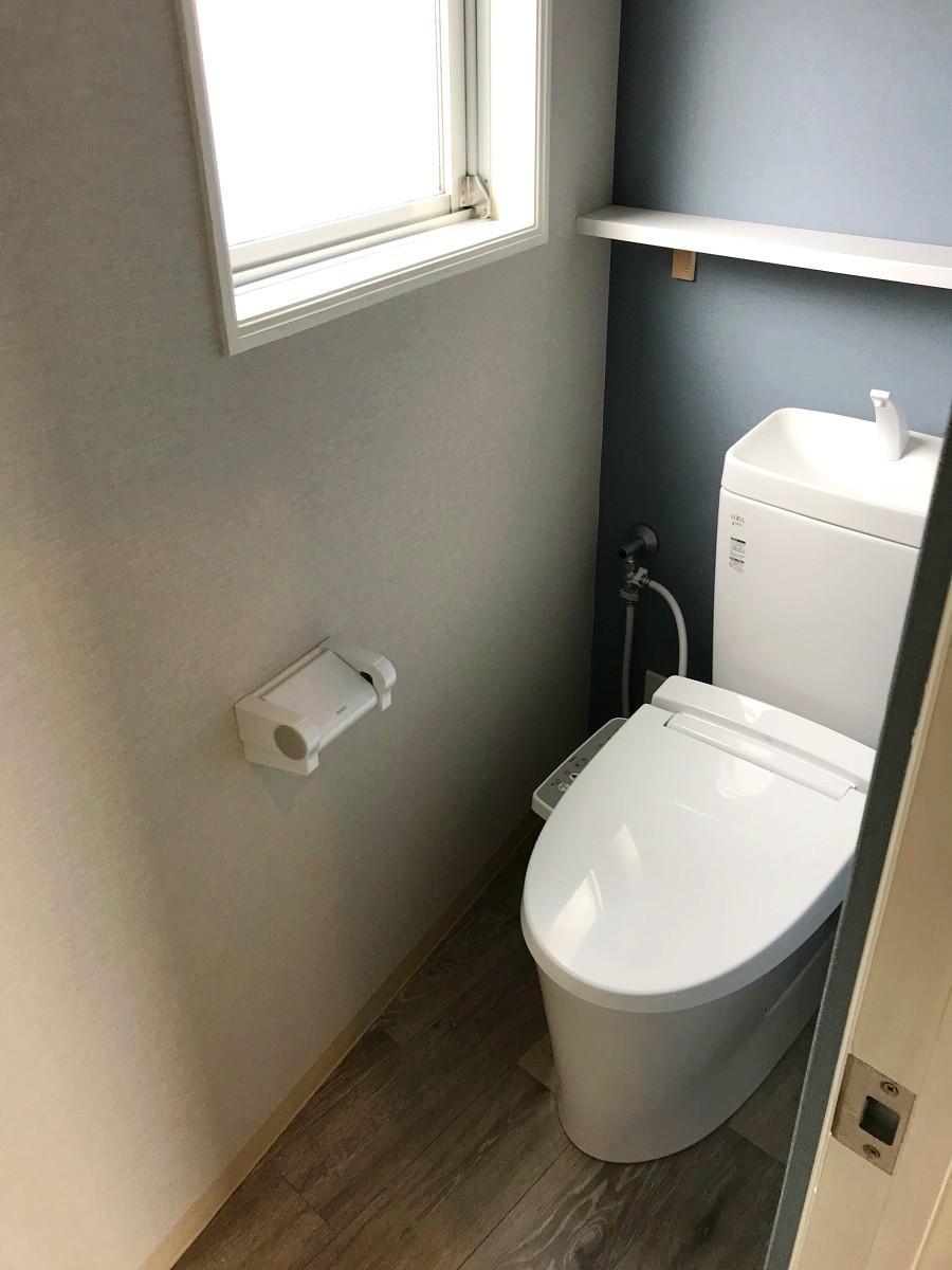 これは2階のトイレ。1階と地下にもそれぞれ計3箇所です