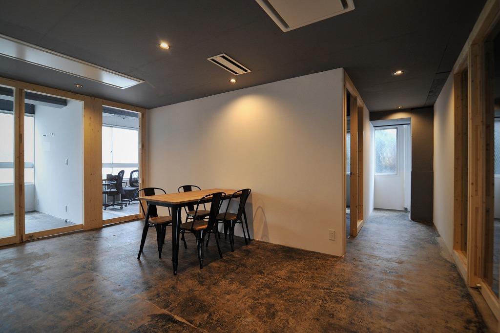 2階ミーティングスペース(予約制)