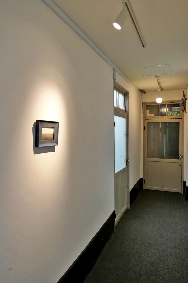 オーナーがギャラリーをされているというのも納得のギャラリーのような廊下