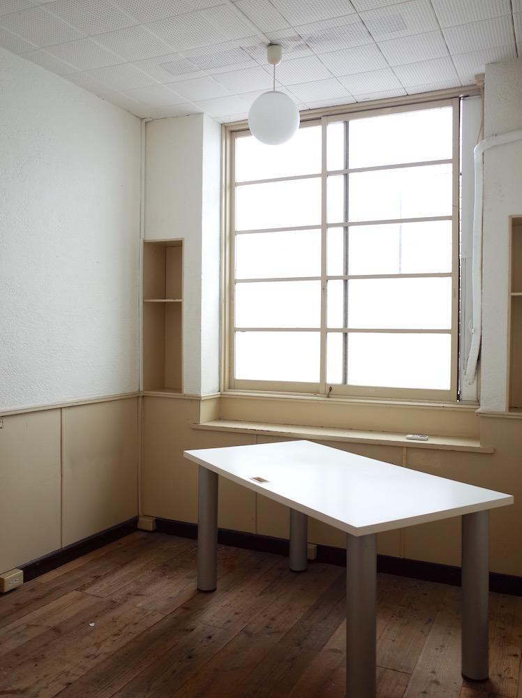 コンパクトな210号室。
