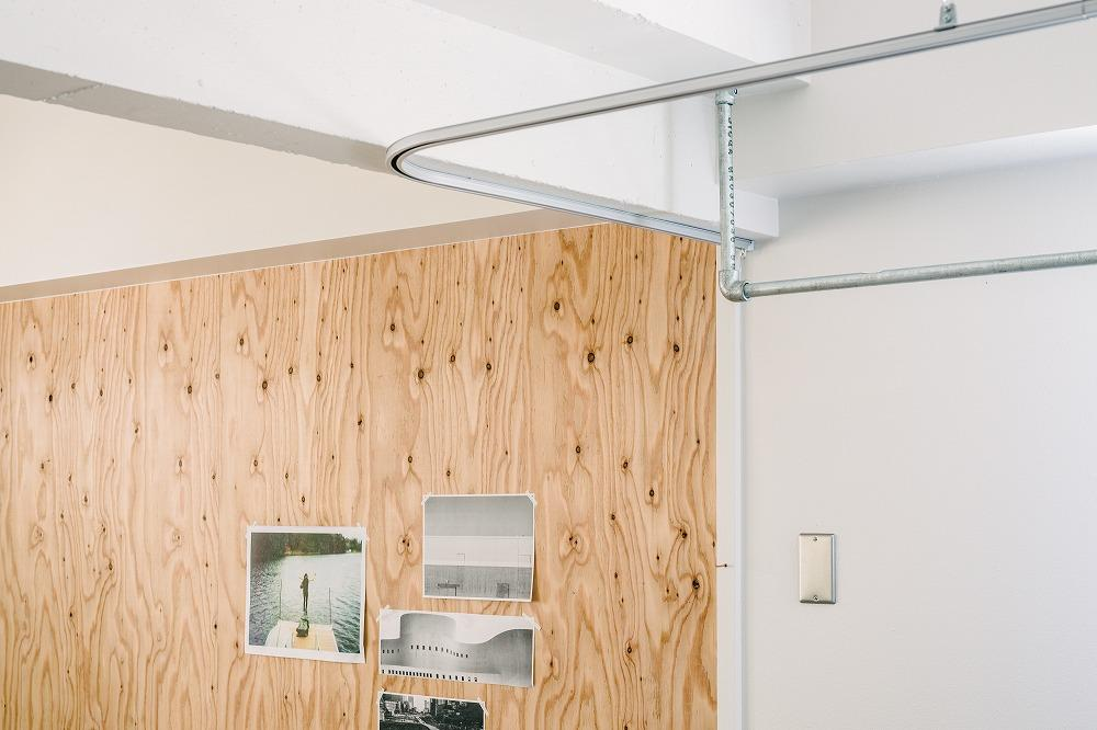 この収納スペースは室内干しにも利用できます。