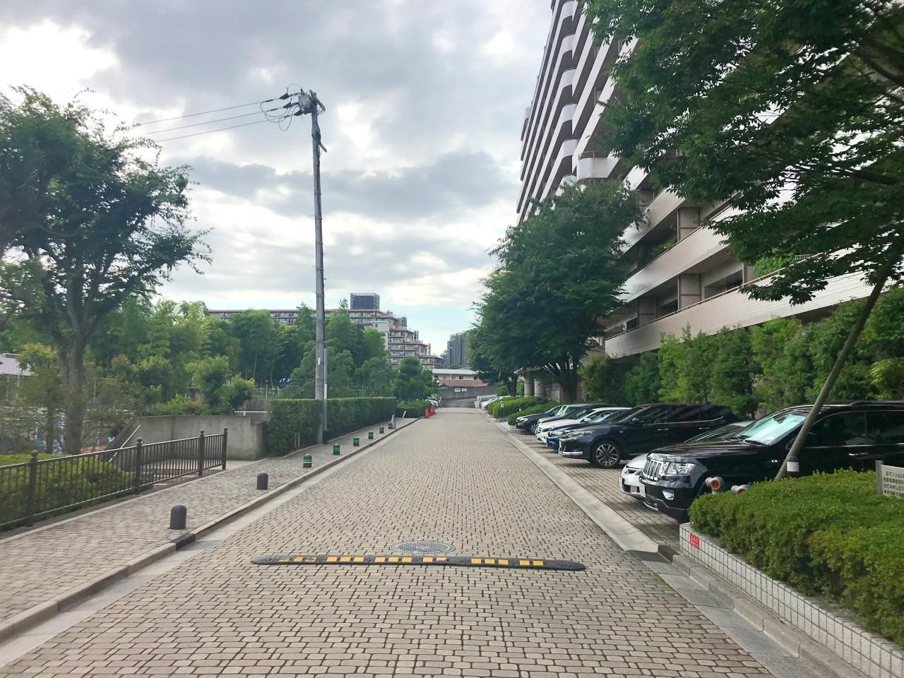 敷地内道路もゆとりある設計