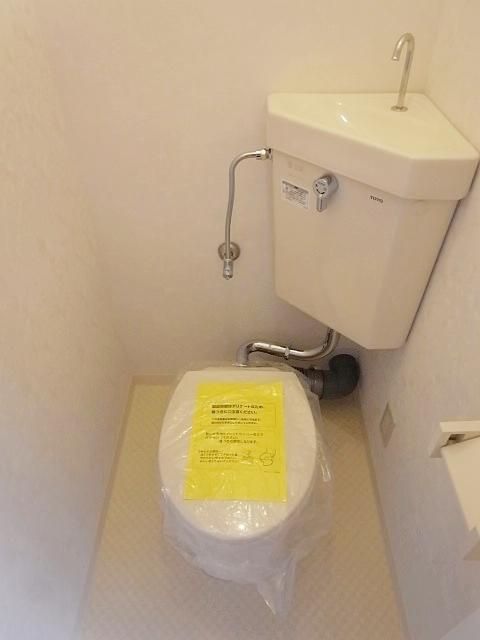 トイレは独立しているのでご安心を