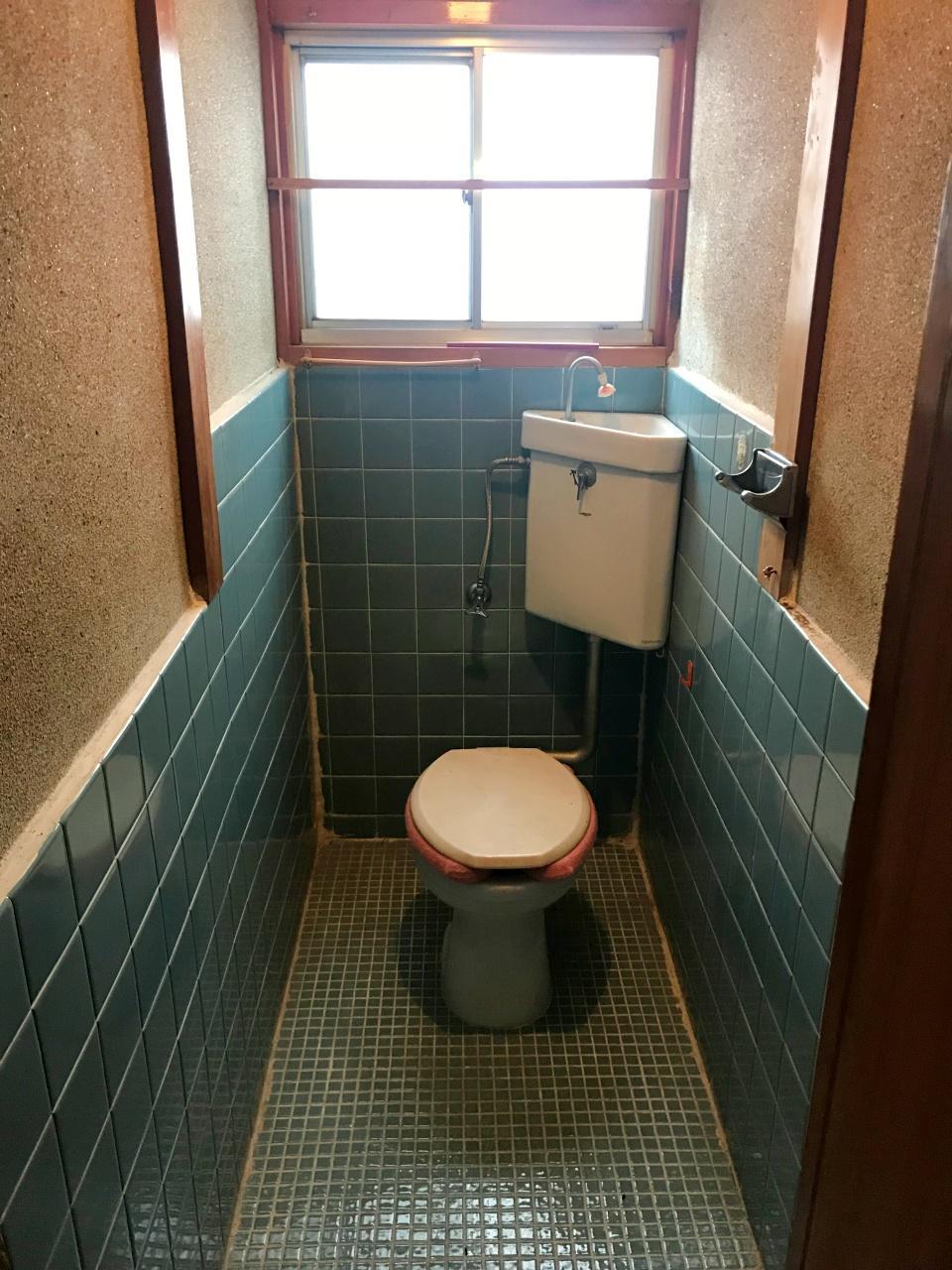 2階のトイレ(1階にもあります)