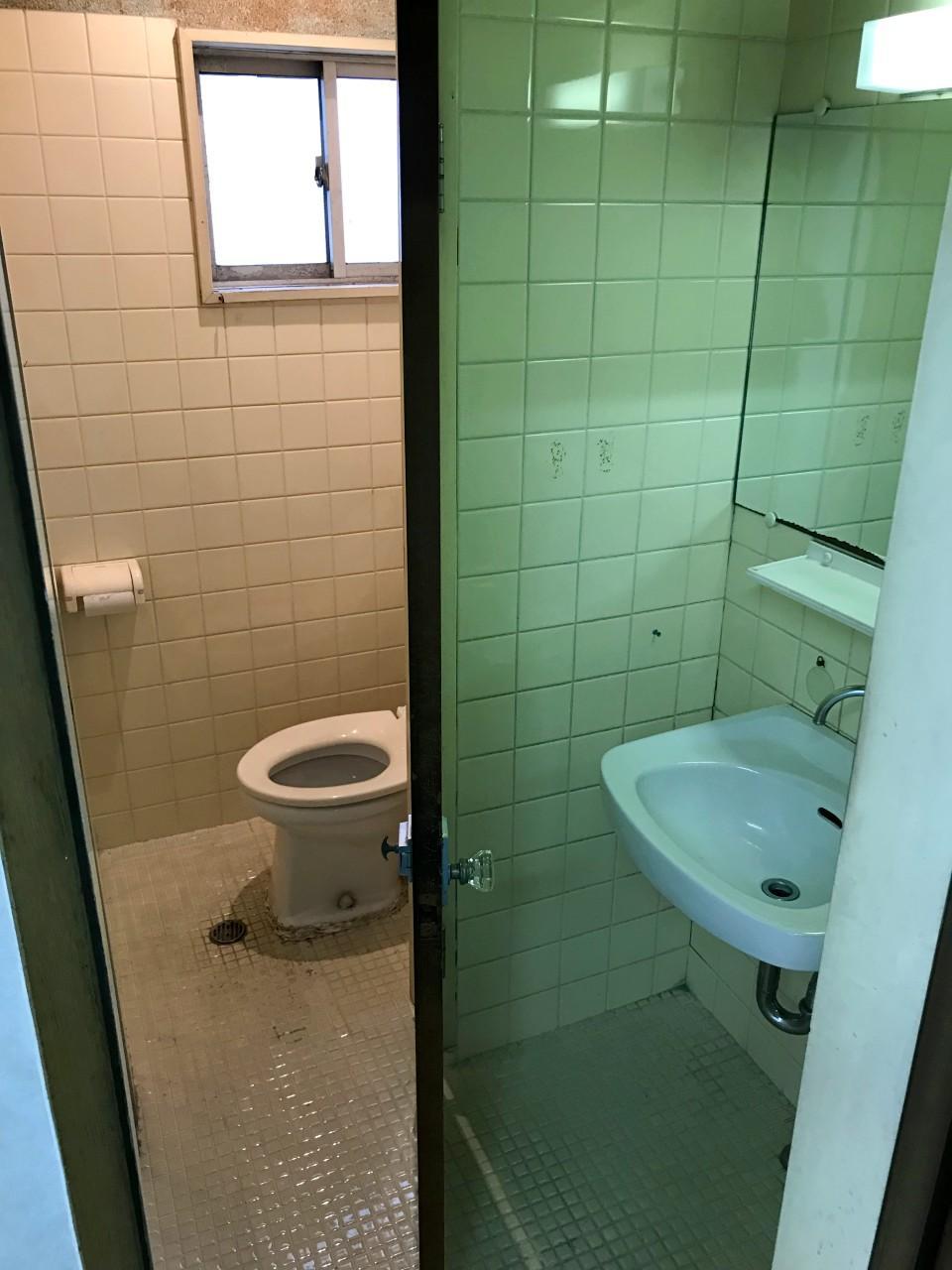 おなじくトイレも最小限