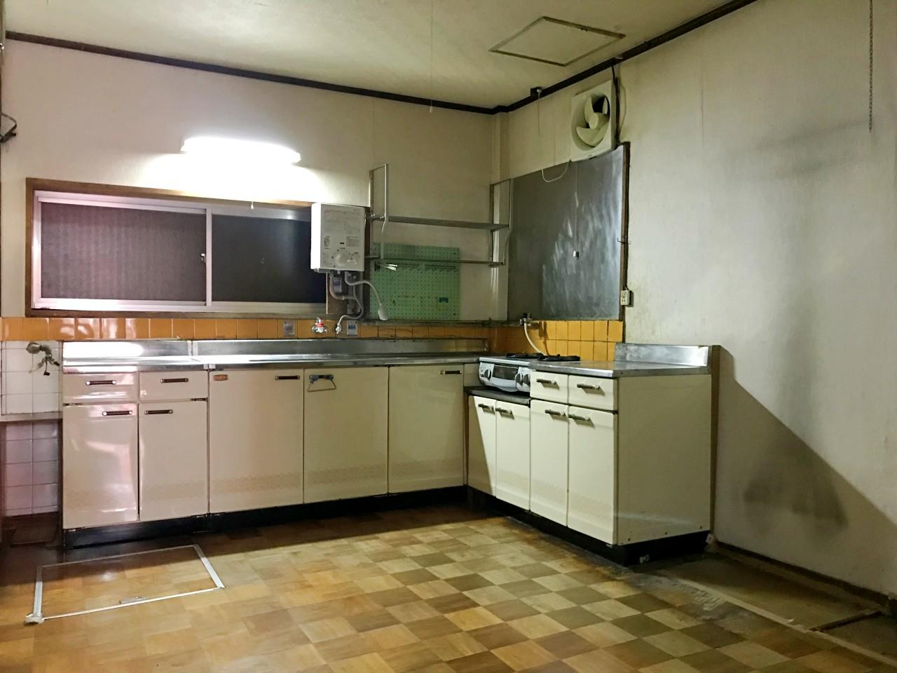 1階のお店奥が台所