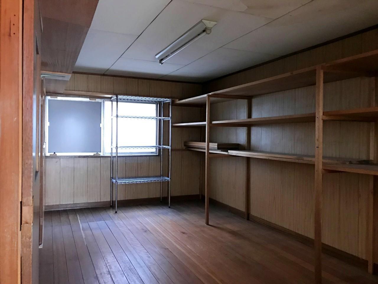 3階には(おそらく)商品保管用の倉庫スペース