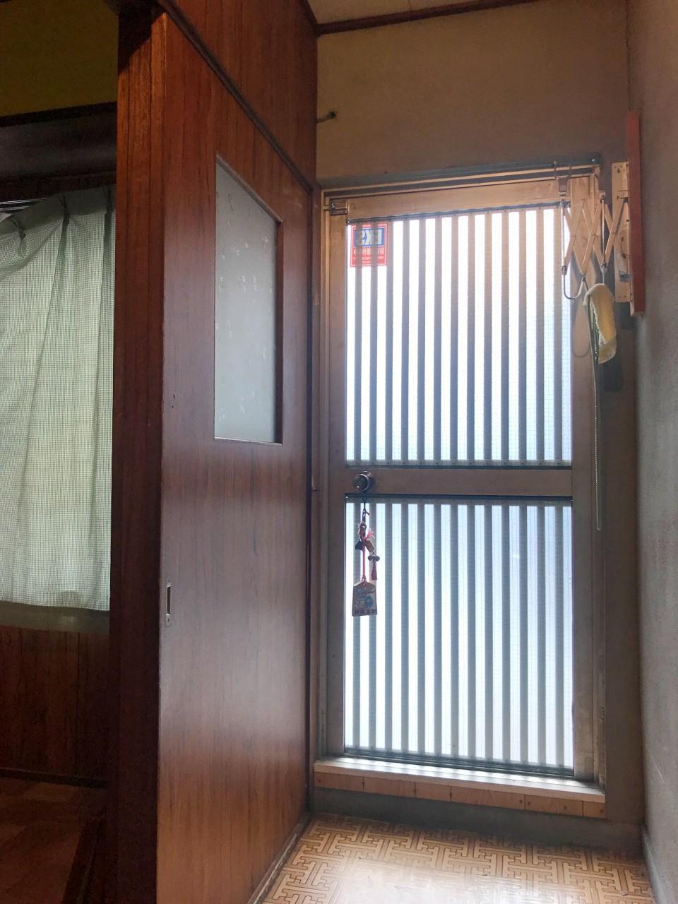 玄関…ではなく、屋上ルーフテラスへの出入り口