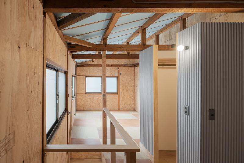 天井の断熱材をあえて見せる、これは冒険ですね!すごい