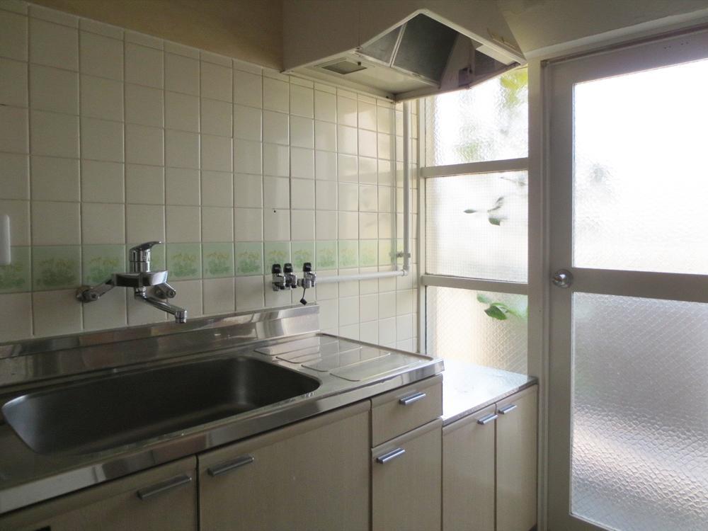 キッチンも既存再利用です。