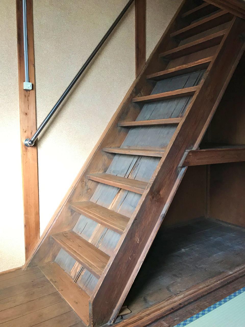 いい感じの風合いが出た階段