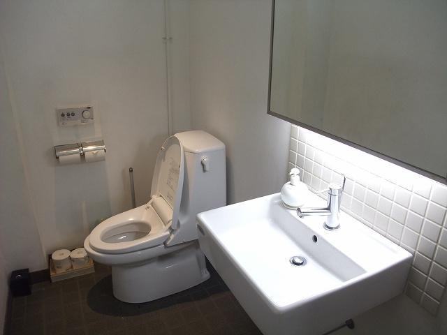 共用の洋式トイレ