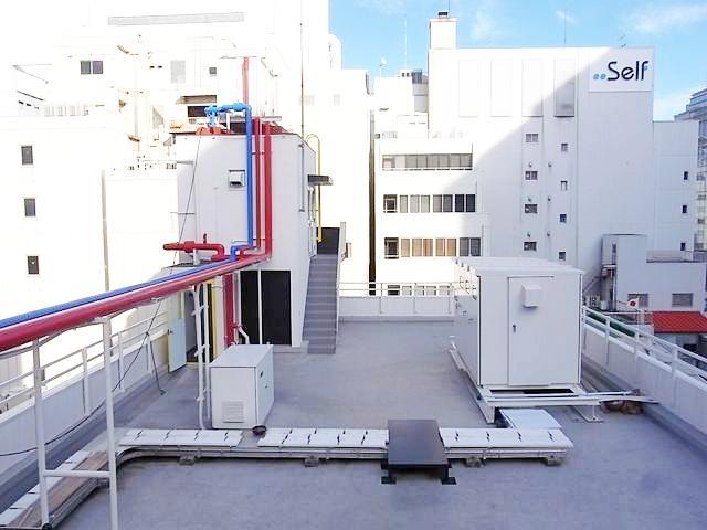屋上。反対側にはイベントスペースがあります