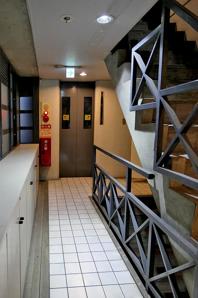 2階エレベーターホール