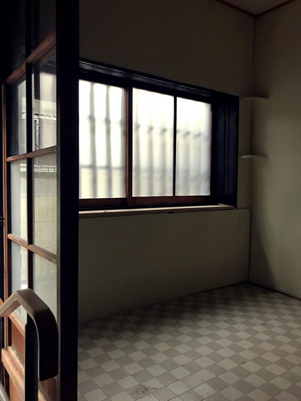 洋室からの、その窓格子