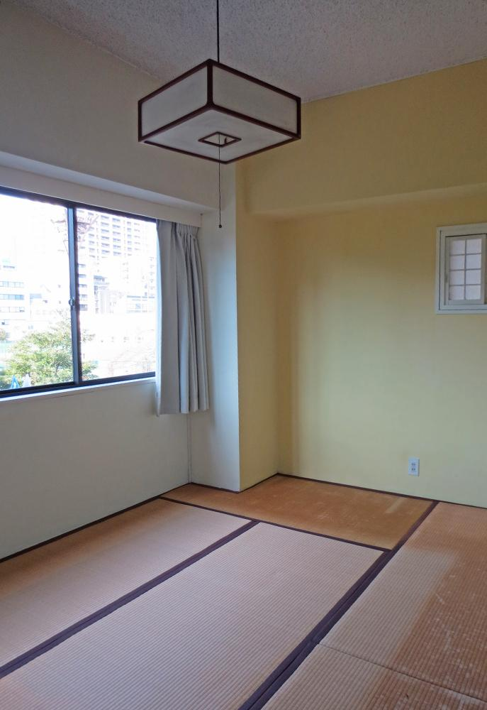 靱公園に一番近い和室。縁側みたいな空間にしてずっと公園を眺めていたい。