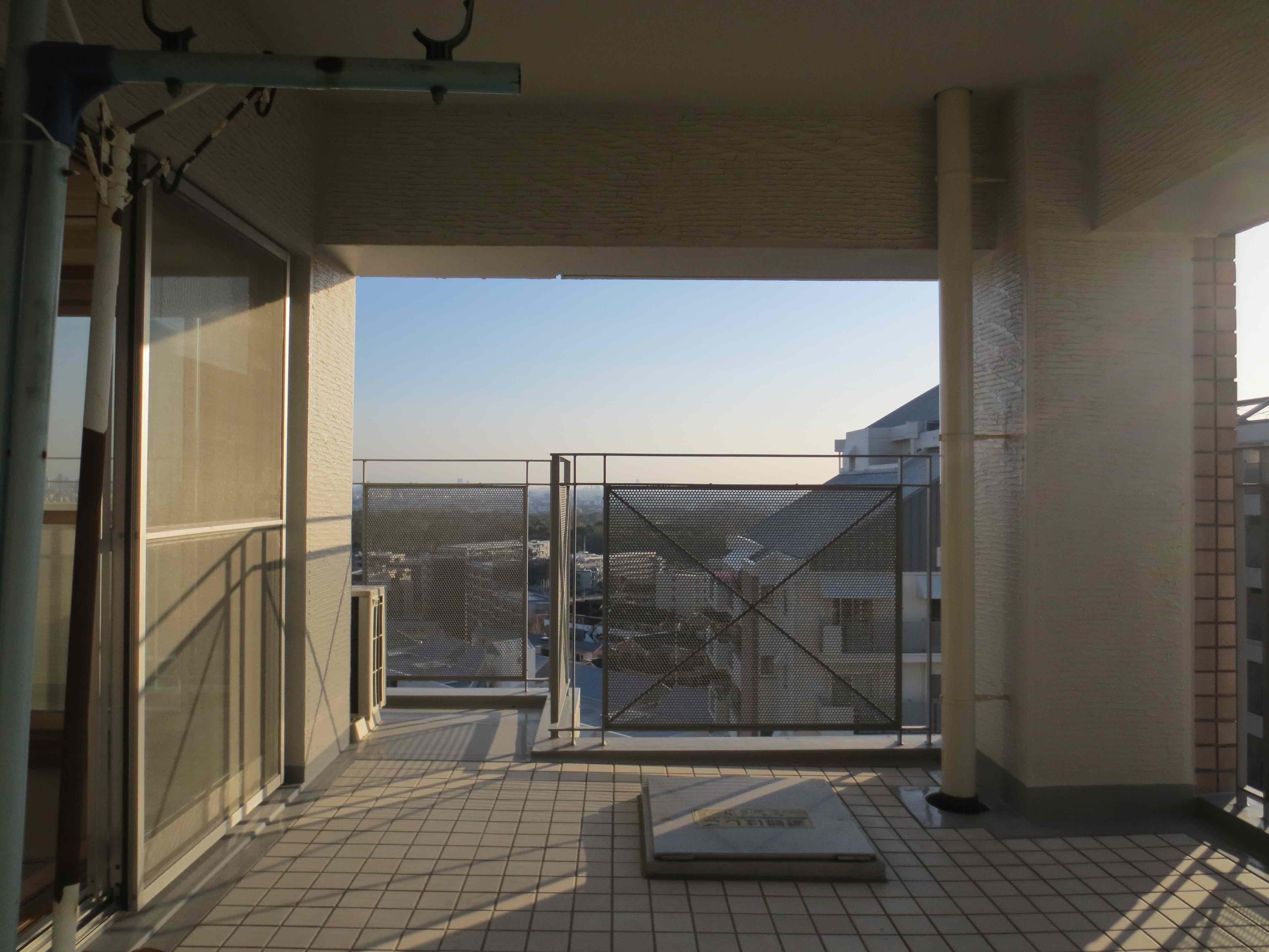 リビングから眺める移ろう景色。