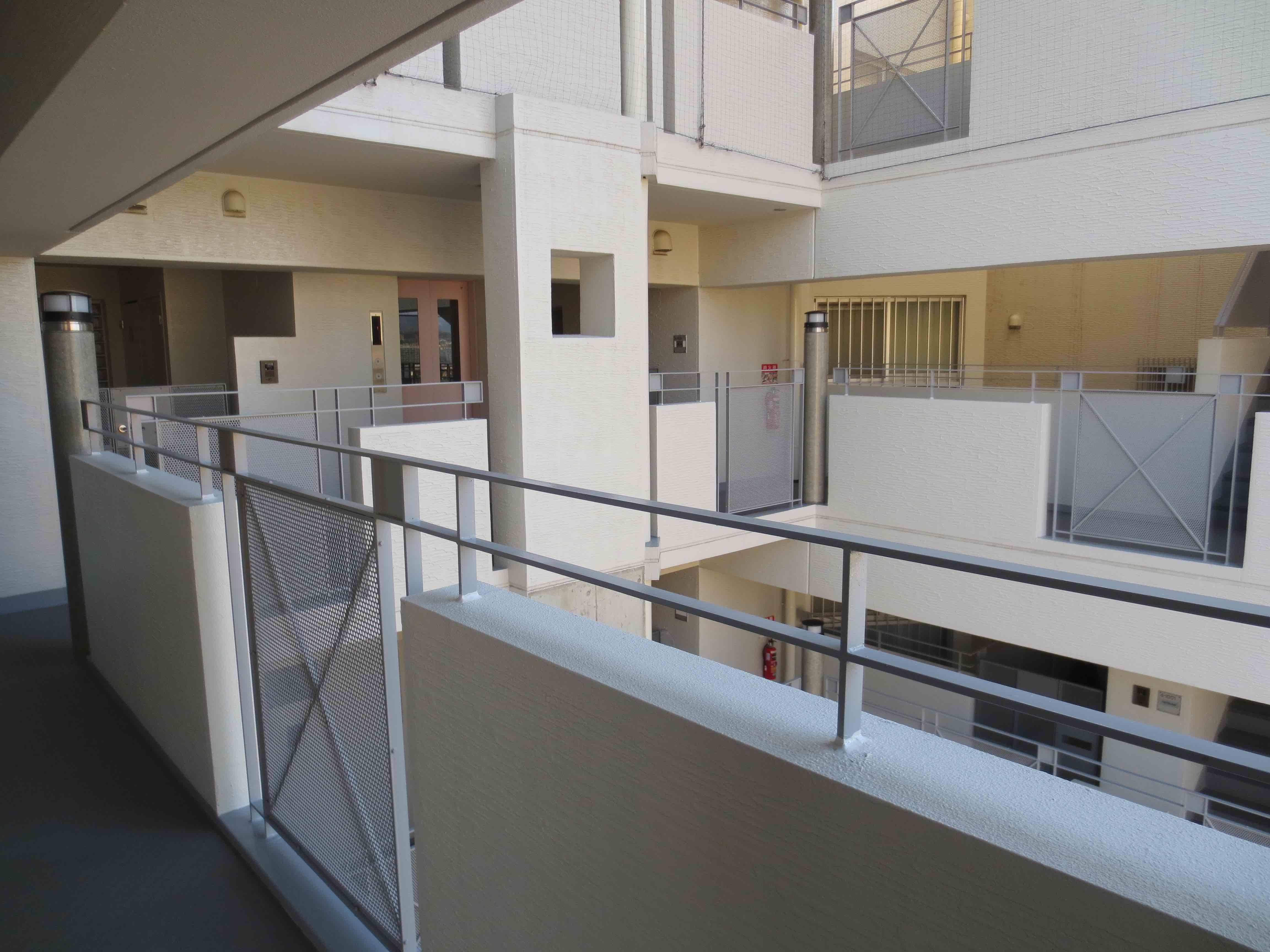 開放感のある廊下部分。