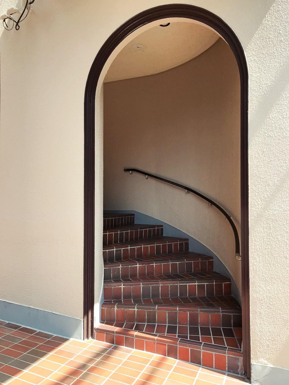 アールの階段
