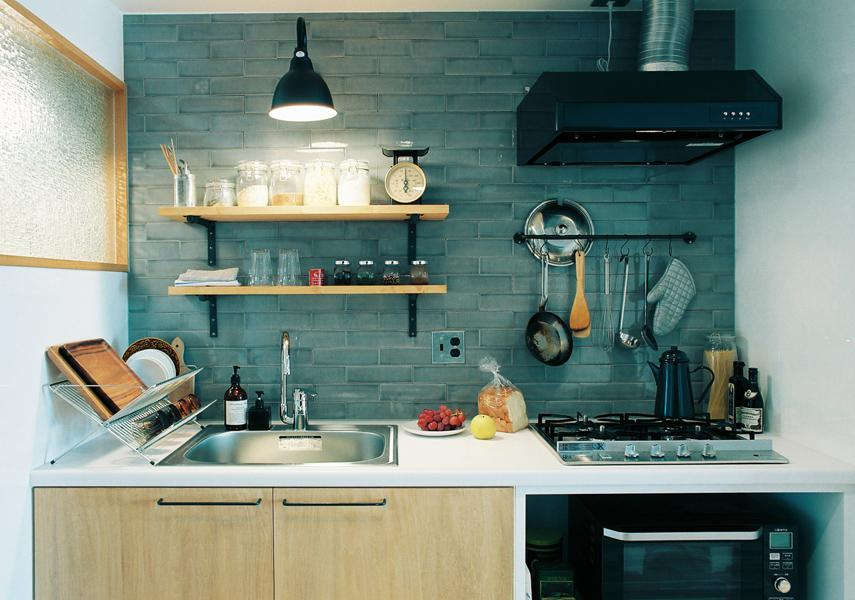 キッチンは、一人住まいだからと手を抜いていません