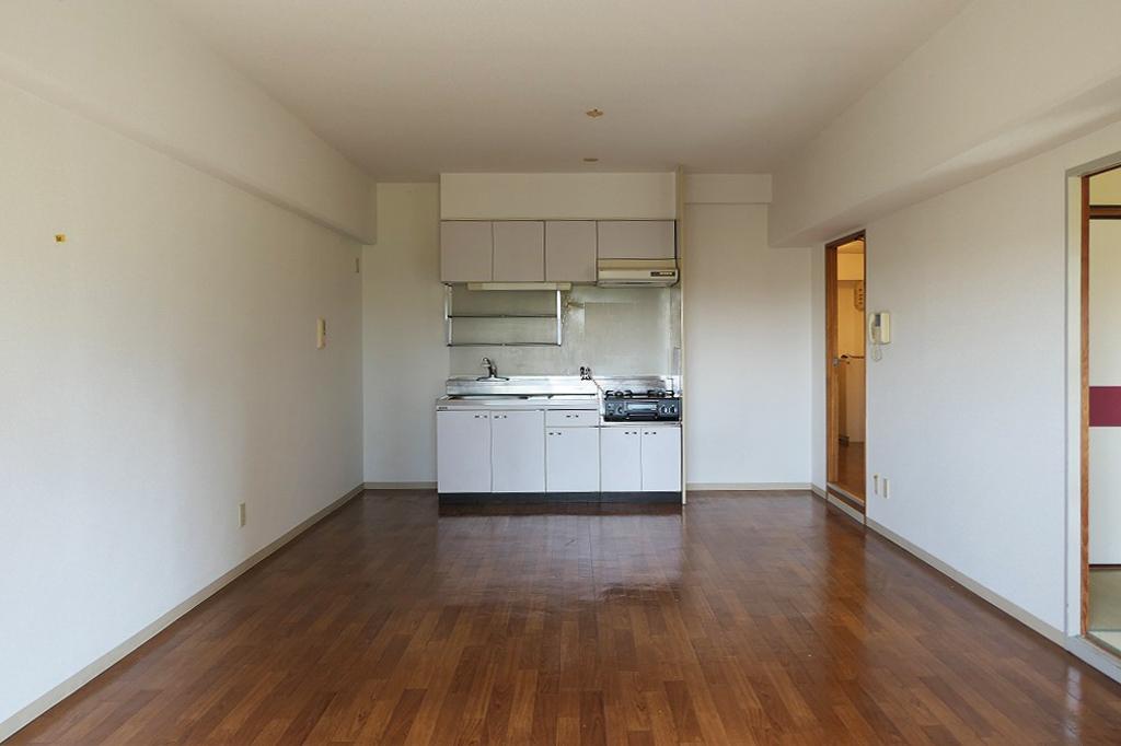 ゆったり14帖のLDK。家具の配置もしやすい縦横比