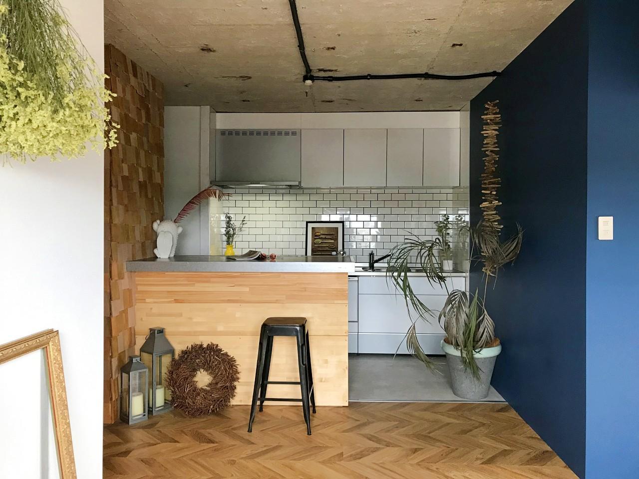 カウンターを造作されたキッチン