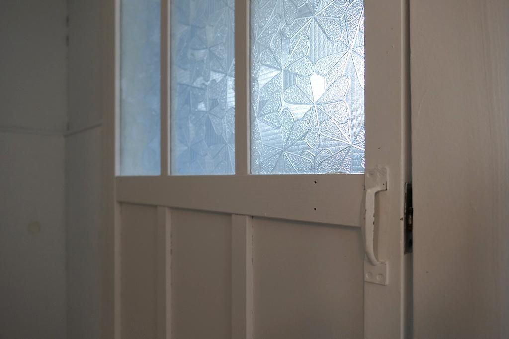 レトロなガラス建具