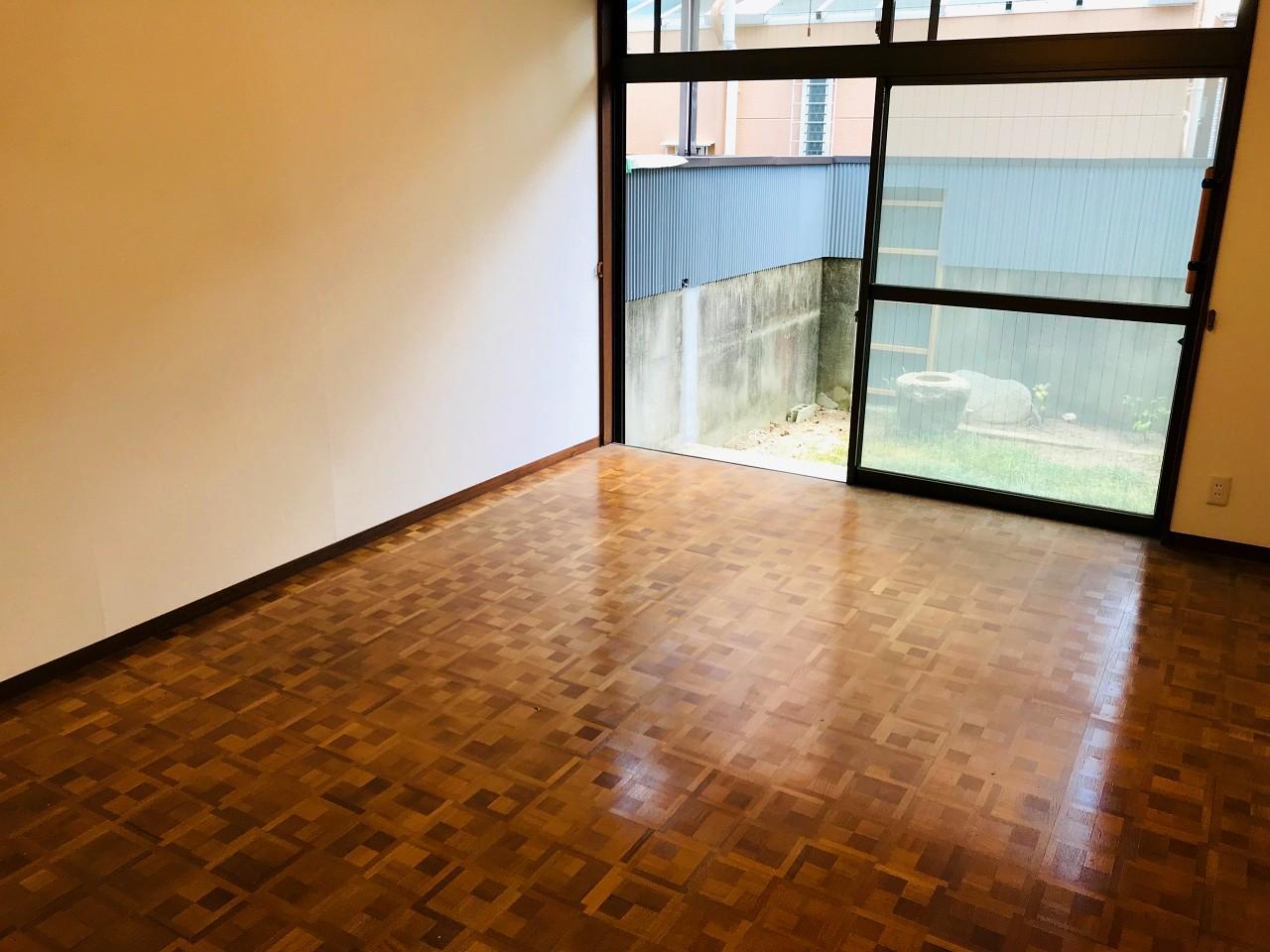 木組み風の床材もかわいい