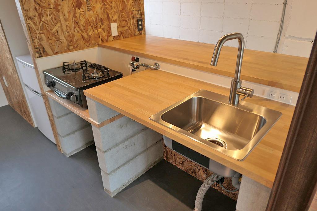 造作キッチン。これで良いんだ!と妙に納得。