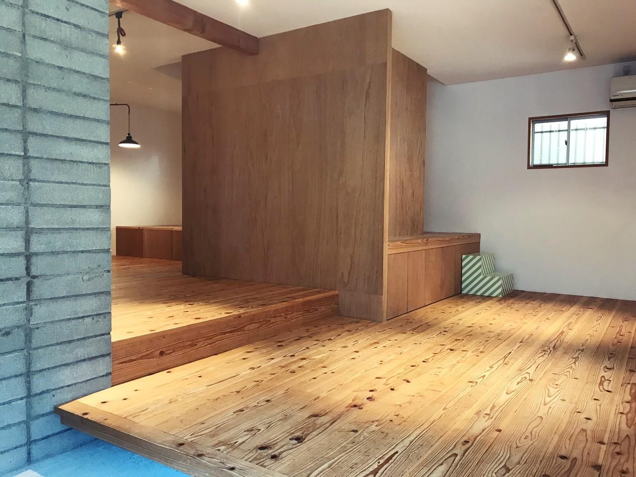 小上がりと無垢床の素敵空間です