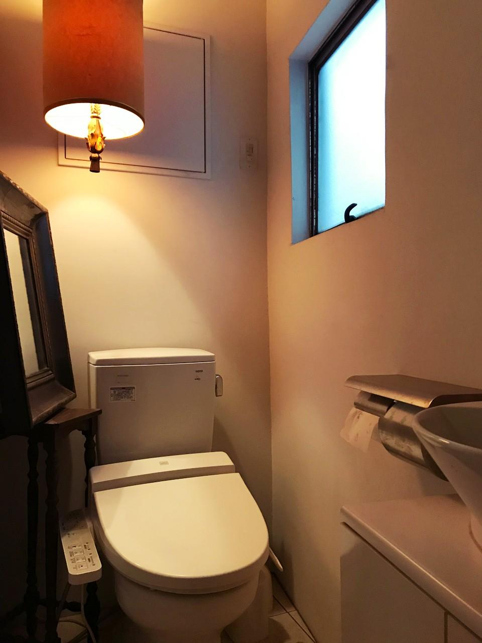 トイレは共用のものが各フロアに1つ