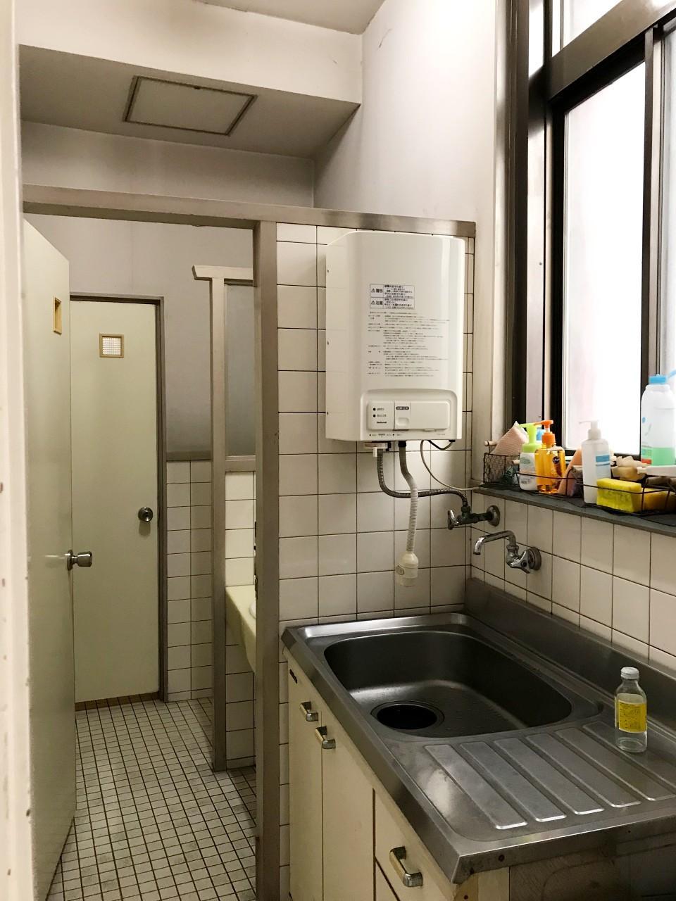 給湯室とトイレは共用