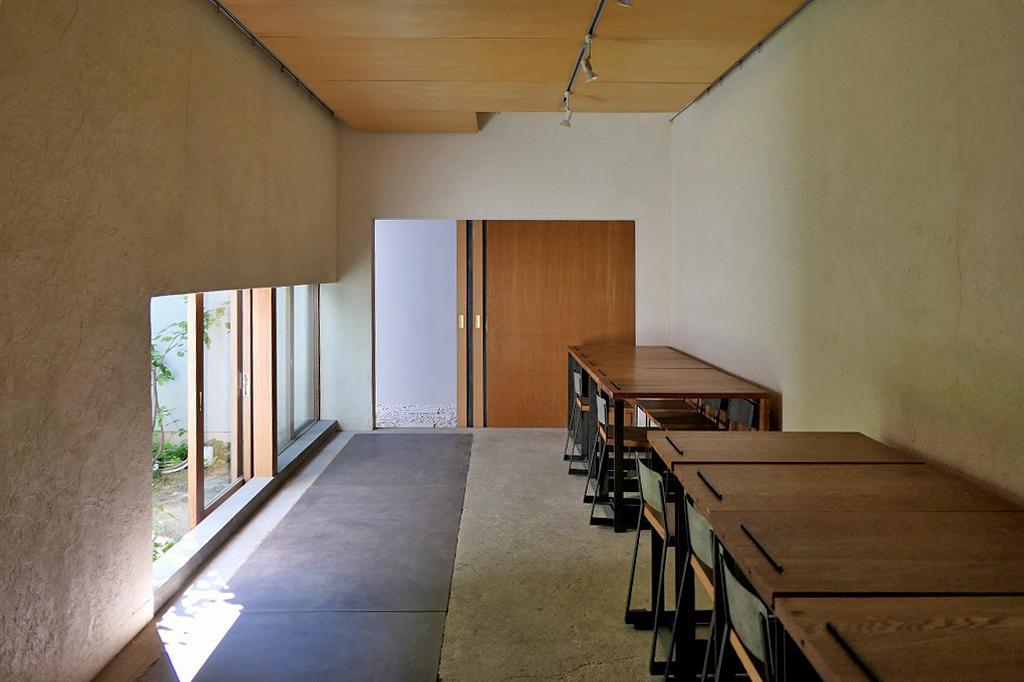 もと花のアトリエとして使われていたスペース。事務所やアトリエ、教室などにぴったり