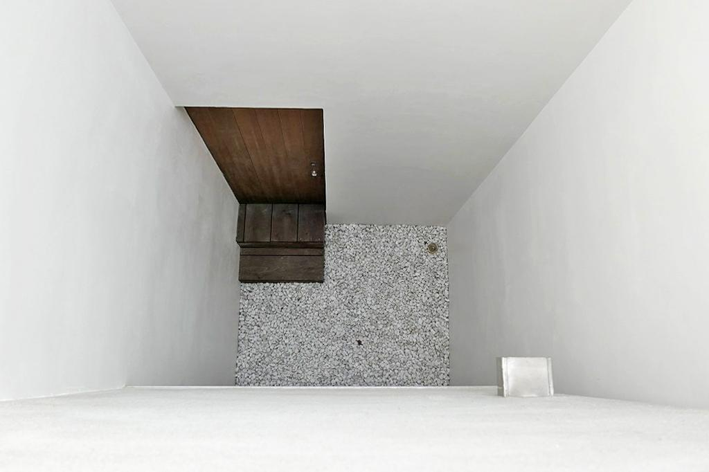 スペース3。外と内の中間的なスペース。このスペースが各室をつなぐ役割を持つ
