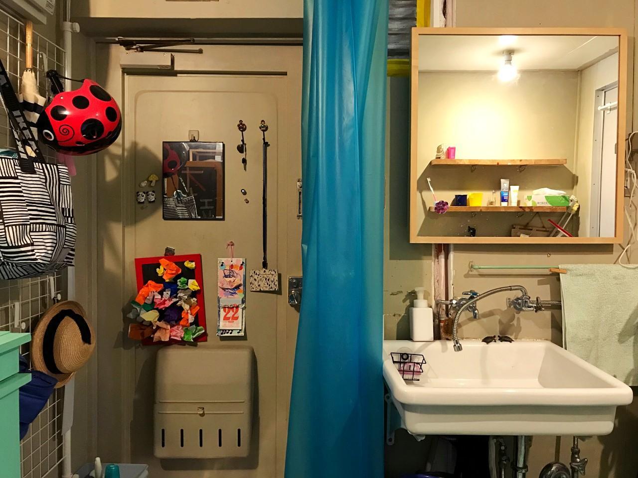 玄関スペースがひと続きで洗面スペース