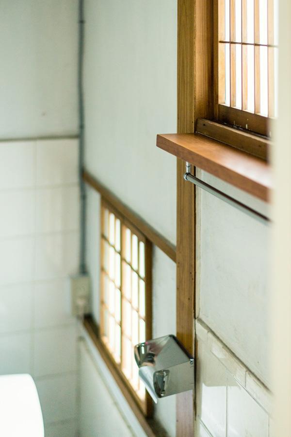 窓からの明るさが清潔さを感じます
