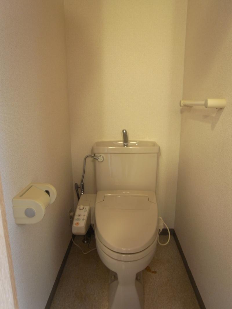 ワンルームタイプの部屋でトイレと浴室が別なのはポイント高し
