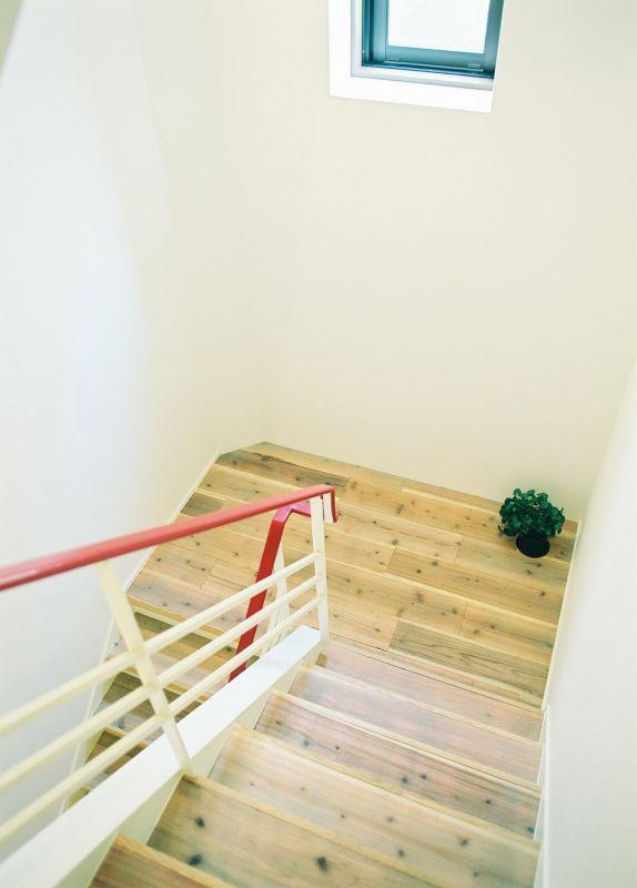階段でも、エレベーターでも上がれます
