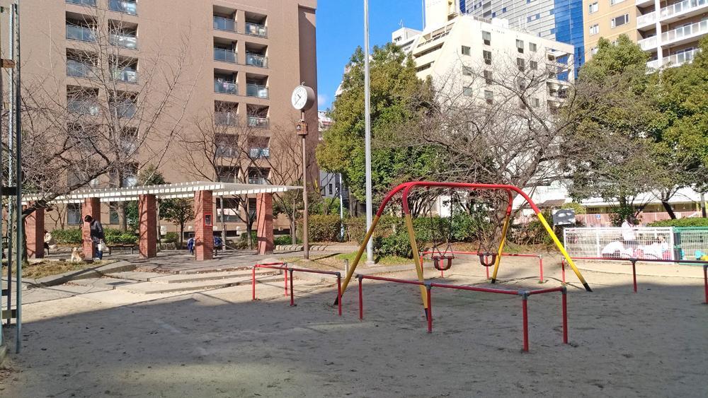 敷地から徒歩1分の公園