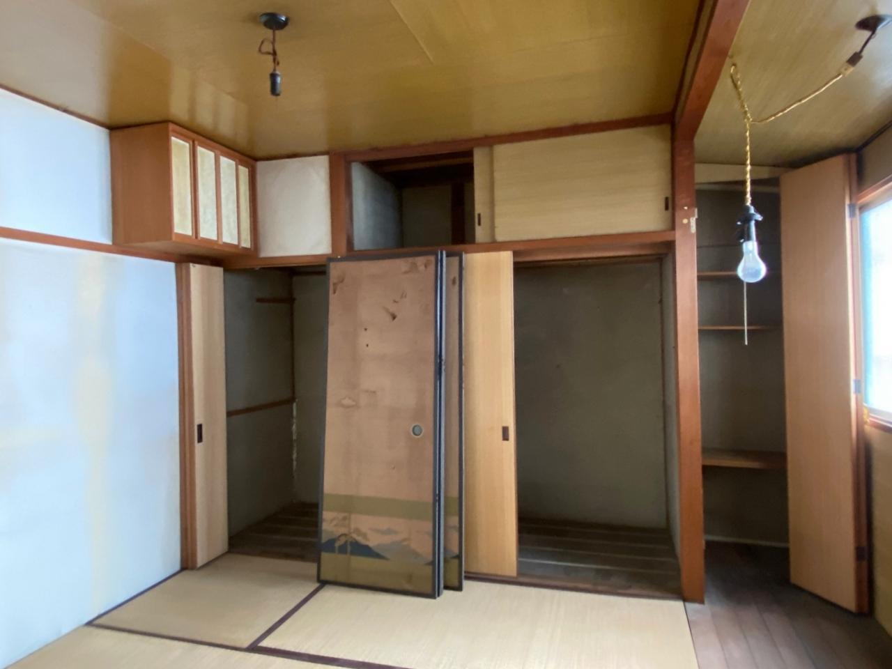 東側の和室。磨けば良くなりそうな雰囲気です