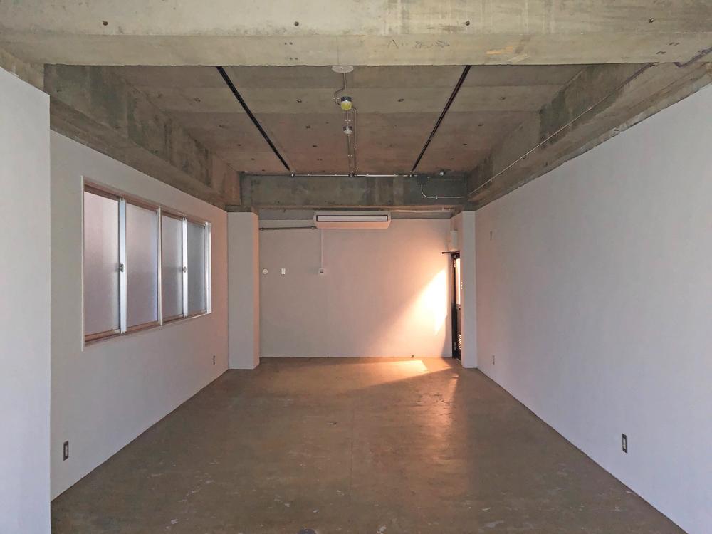 床・壁・天井の基本的な仕上げは1号、2号共通です